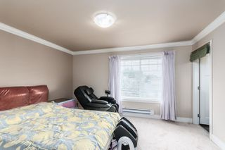 Photo 13: 124 15399 GUILDFORD Drive in Surrey: Guildford Townhouse for sale (North Surrey)  : MLS®# R2428470