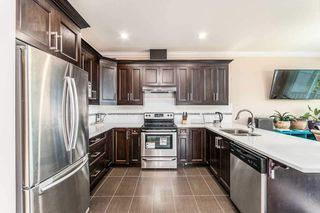 Photo 5: 124 15399 GUILDFORD Drive in Surrey: Guildford Townhouse for sale (North Surrey)  : MLS®# R2428470
