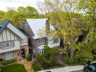 Main Photo: 44 Summerhill Gardens in Toronto: Rosedale-Moore Park House (3-Storey) for sale (Toronto C09)  : MLS®# C4672633