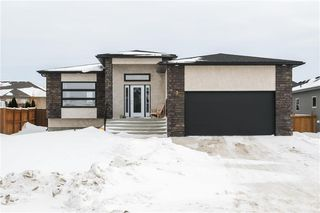 Photo 1: 3 TOWLER Way in Oakbank: RM of Springfield Residential for sale (R04)  : MLS®# 202003378