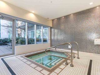 "Photo 10: 605 821 CAMBIE Street in Vancouver: Downtown VW Condo for sale in ""Raffles on Robson"" (Vancouver West)  : MLS®# R2450056"
