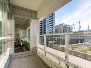 "Photo 8: 605 821 CAMBIE Street in Vancouver: Downtown VW Condo for sale in ""Raffles on Robson"" (Vancouver West)  : MLS®# R2450056"