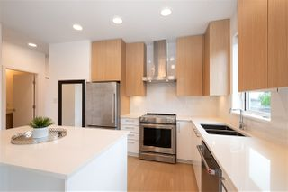 Photo 11: 323 5460 BROADWAY in Burnaby: Parkcrest Condo for sale (Burnaby North)  : MLS®# R2456756