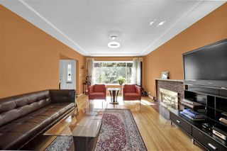 Photo 6: 5652 CHESTER Street in Vancouver: Fraser VE House for sale (Vancouver East)  : MLS®# R2459698