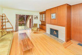 Photo 3: 2184 Lafayette St in Oak Bay: OB South Oak Bay House for sale : MLS®# 844173