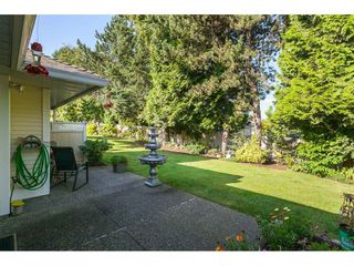 """Photo 36: 29 8737 212 Street in Langley: Walnut Grove Townhouse for sale in """"Chartwell Green"""" : MLS®# R2482959"""