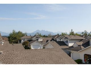 """Photo 35: 29 8737 212 Street in Langley: Walnut Grove Townhouse for sale in """"Chartwell Green"""" : MLS®# R2482959"""