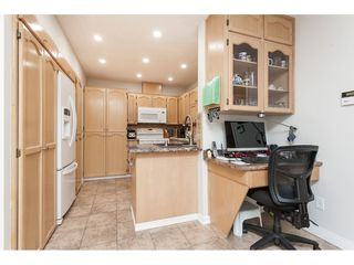"""Photo 6: 29 8737 212 Street in Langley: Walnut Grove Townhouse for sale in """"Chartwell Green"""" : MLS®# R2482959"""