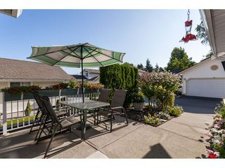 """Photo 22: 29 8737 212 Street in Langley: Walnut Grove Townhouse for sale in """"Chartwell Green"""" : MLS®# R2482959"""