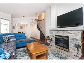 """Photo 4: 29 8737 212 Street in Langley: Walnut Grove Townhouse for sale in """"Chartwell Green"""" : MLS®# R2482959"""
