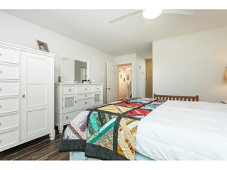 """Photo 32: 29 8737 212 Street in Langley: Walnut Grove Townhouse for sale in """"Chartwell Green"""" : MLS®# R2482959"""