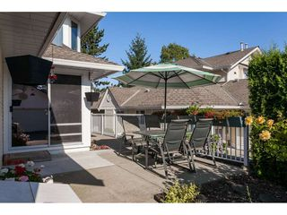 """Photo 2: 29 8737 212 Street in Langley: Walnut Grove Townhouse for sale in """"Chartwell Green"""" : MLS®# R2482959"""