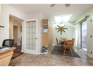 """Photo 10: 29 8737 212 Street in Langley: Walnut Grove Townhouse for sale in """"Chartwell Green"""" : MLS®# R2482959"""