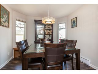 """Photo 5: 29 8737 212 Street in Langley: Walnut Grove Townhouse for sale in """"Chartwell Green"""" : MLS®# R2482959"""
