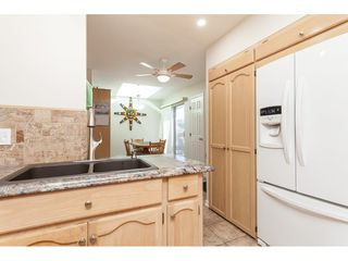 """Photo 9: 29 8737 212 Street in Langley: Walnut Grove Townhouse for sale in """"Chartwell Green"""" : MLS®# R2482959"""