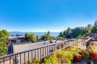 "Photo 2: 507 1319 MARTIN Street: White Rock Condo for sale in ""The Cedars"" (South Surrey White Rock)  : MLS®# R2485185"