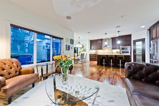 Photo 3: 4 ASPEN HILLS Place SW in Calgary: Aspen Woods Detached for sale : MLS®# A1028698