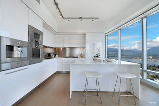 Photo 4: 6705 1151 W GEORGIA Street in Vancouver: Coal Harbour Condo for sale (Vancouver West)  : MLS®# R2501474