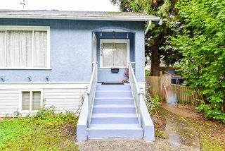 "Photo 2: 2638 ST. CATHERINES Street in Vancouver: Mount Pleasant VE House 1/2 Duplex for sale in ""MOUNT PLEASANT"" (Vancouver East)  : MLS®# R2508470"
