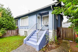 """Photo 1: 2638 ST. CATHERINES Street in Vancouver: Mount Pleasant VE 1/2 Duplex for sale in """"MOUNT PLEASANT"""" (Vancouver East)  : MLS®# R2508470"""