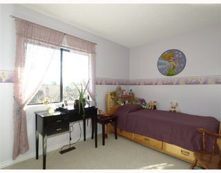 """Photo 9: 308 4001 MOUNT SEYMOUR Parkway in North Vancouver: Roche Point Townhouse for sale in """"MAPLES"""" : MLS®# V809118"""