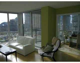 Photo 4: 606 1155 SEYMOUR Street in Vancouver: Downtown VW Condo for sale (Vancouver West)  : MLS®# V811960