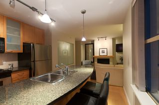 "Photo 7: 2107 989 RICHARDS Street in Vancouver: Downtown VW Condo for sale in ""MONDRIAN"" (Vancouver West)  : MLS®# V846027"