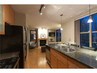 "Photo 2: 2107 989 RICHARDS Street in Vancouver: Downtown VW Condo for sale in ""MONDRIAN"" (Vancouver West)  : MLS®# V846027"