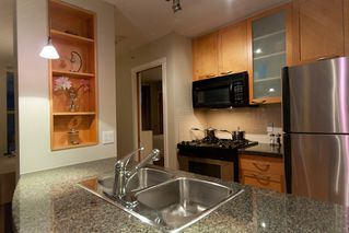 "Photo 5: 2107 989 RICHARDS Street in Vancouver: Downtown VW Condo for sale in ""MONDRIAN"" (Vancouver West)  : MLS®# V846027"