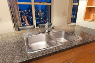 """Photo 8: 2107 989 RICHARDS Street in Vancouver: Downtown VW Condo for sale in """"MONDRIAN"""" (Vancouver West)  : MLS®# V846027"""