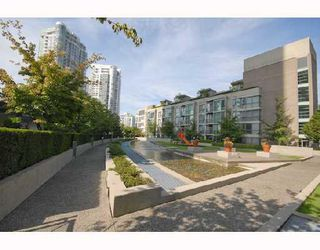 "Photo 9: 1202 1008 CAMBIE Street in Vancouver: Downtown VW Condo for sale in ""THE WATERWORKS"" (Vancouver West)  : MLS®# V737264"