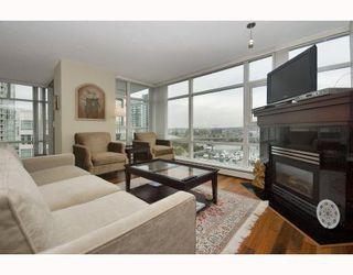 "Photo 2: 1602 1199 MARINASIDE Crescent in Vancouver: False Creek North Condo for sale in ""AQUARIUS 1"" (Vancouver West)  : MLS®# V740351"