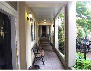 "Photo 9: 105 2588 ALDER Street in Vancouver: Fairview VW Condo for sale in ""BOLLERT PLACE"" (Vancouver West)  : MLS®# V766148"