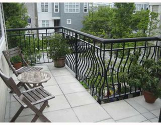 "Photo 8: 210 692 W 7TH Avenue in Vancouver: Fairview VW Townhouse for sale in ""LIBERTE"" (Vancouver West)  : MLS®# V766625"