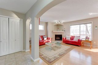 Photo 3: 8203 5 Avenue in Edmonton: Zone 53 House for sale : MLS®# E4171478