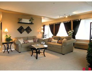 """Photo 3: 402 20433 53RD Avenue in Langley: Langley City Condo for sale in """"Countryside Estates"""" : MLS®# F2918107"""