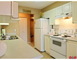 """Photo 2: 402 20433 53RD Avenue in Langley: Langley City Condo for sale in """"Countryside Estates"""" : MLS®# F2918107"""