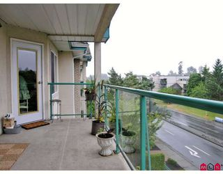 """Photo 8: 402 20433 53RD Avenue in Langley: Langley City Condo for sale in """"Countryside Estates"""" : MLS®# F2918107"""