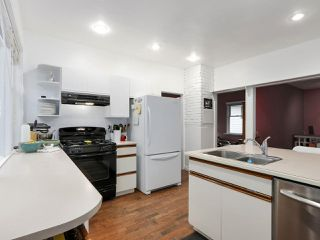 Photo 11: 438 E 11TH Street in North Vancouver: Central Lonsdale House for sale : MLS®# R2427972