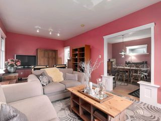 Photo 6: 438 E 11TH Street in North Vancouver: Central Lonsdale House for sale : MLS®# R2427972