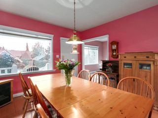 Photo 9: 438 E 11TH Street in North Vancouver: Central Lonsdale House for sale : MLS®# R2427972