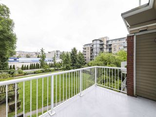 Main Photo: 308 2628 YEW Street in Vancouver: Kitsilano Condo for sale (Vancouver West)  : MLS®# R2473247