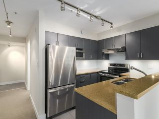 Photo 7: 308 2628 YEW Street in Vancouver: Kitsilano Condo for sale (Vancouver West)  : MLS®# R2473247