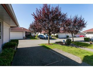 "Photo 4: 3 31406 UPPER MACLURE Road in Abbotsford: Abbotsford West Townhouse for sale in ""ELLWOOD ESTATES"" : MLS®# R2475870"
