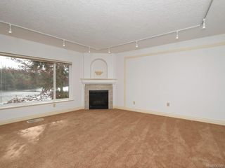 Photo 3: 3 1 Dukrill Rd in : VR Six Mile Row/Townhouse for sale (View Royal)  : MLS®# 845529