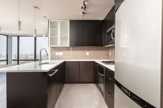 """Photo 8: 1601 7328 ARCOLA Street in Burnaby: Highgate Condo for sale in """"Esprit South"""" (Burnaby South)  : MLS®# R2499181"""