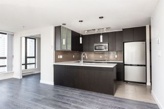 """Photo 7: 1601 7328 ARCOLA Street in Burnaby: Highgate Condo for sale in """"Esprit South"""" (Burnaby South)  : MLS®# R2499181"""