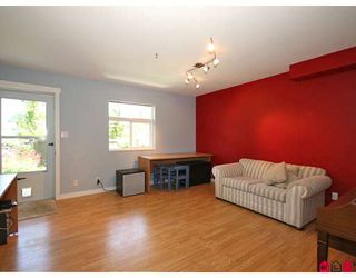 "Photo 9: 11 20771 DUNCAN Way in Langley: Langley City Townhouse for sale in ""Wyndham Lane"" : MLS®# F2821171"