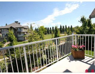 "Photo 5: 11 20771 DUNCAN Way in Langley: Langley City Townhouse for sale in ""Wyndham Lane"" : MLS®# F2821171"
