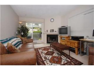 Photo 2:  in VICTORIA: Vi Hillside Condo Apartment for sale (Victoria)  : MLS®# 474507